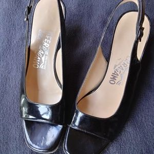 Vintage Salvatore Ferragamo open toed kitten heel
